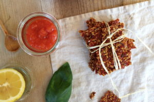 Tomaten-Leinsamen-Cracker