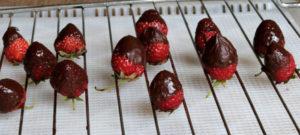 Erdbeeren auf Gitter